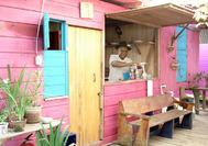 Bar alegre en Bocas del Toro, Panamá