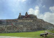 Vista exterior del Castillo San Felipe en Cartagena de Indias