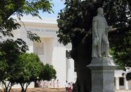 Estatua de Simón Bolívar en la ciudad en la que murió el Libertador, Santa Marta